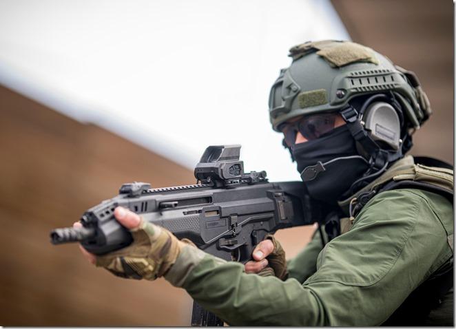 MEPRO O2 tactical image 1